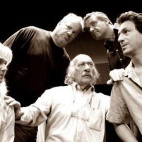 Θεατρική παράσταση: «Το φως που (πάντα) καίει» του Κώστα Βάρναλη